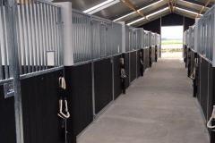 AB Horsestables paardenboxen